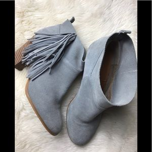 Crown vintage 8.5 gray fringe ankle boots